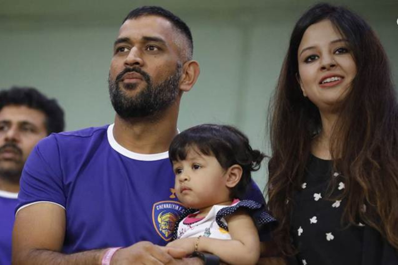 Sakshi and Dhoni apply for arms license