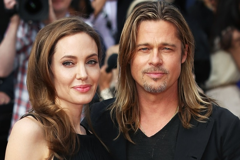 Angelina accuses Brad-Child support