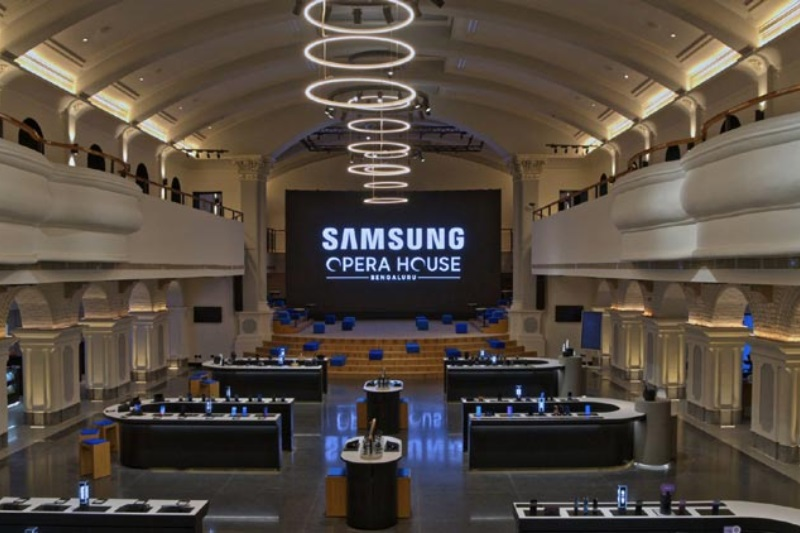 Samsung opens worlds largest mobile experience centre in Bengaluru