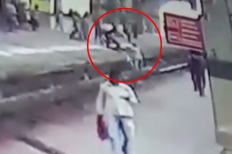 Cop saves girl stuck in railway track