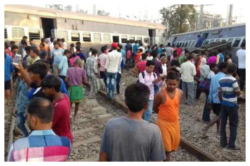 New Farakka Express derailed