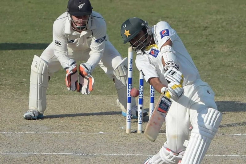 Azhar Ali helped make sure Pakistan safely ended proceedings at 139/3 at the end of the first day's play in the third and final Test match.