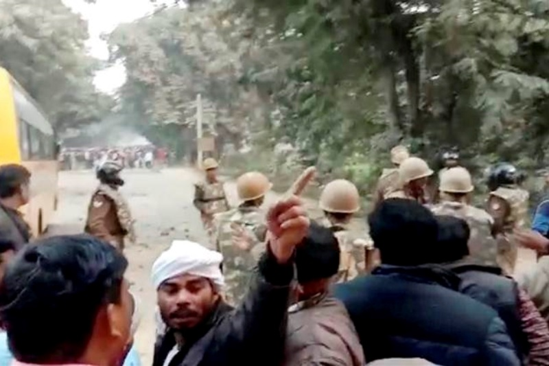 Police constable killed stone-pelting mob Ghazipur Uttar Pradesh