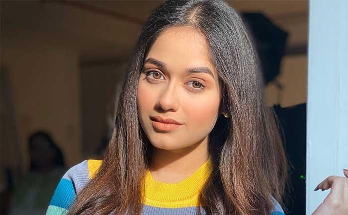 Jannat Zubair Hairstyles