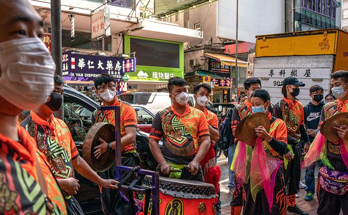 coronavirus hong kong reports first death