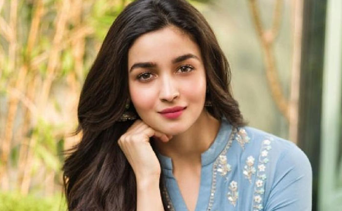 alia bhatt facebook debut